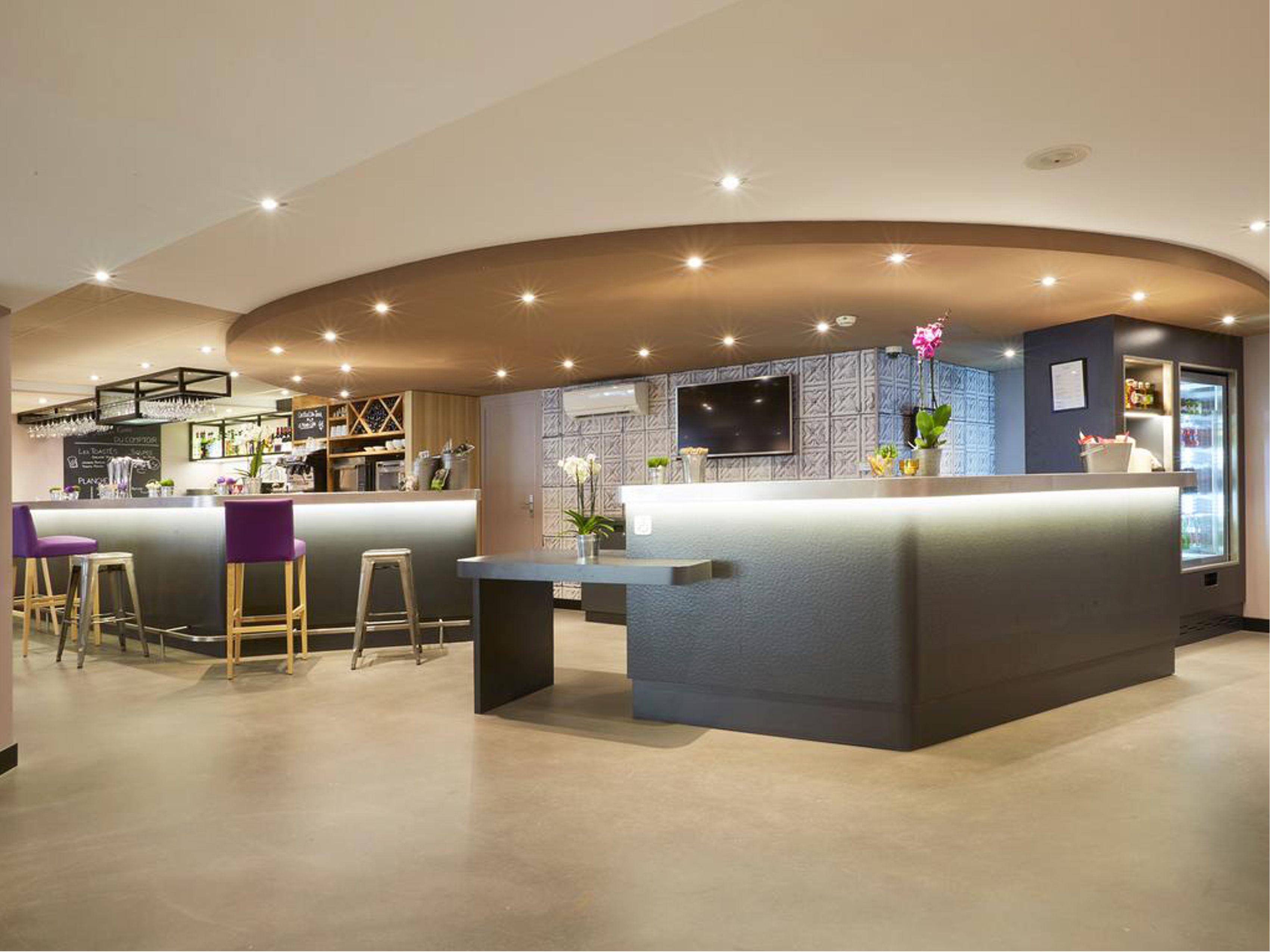 arredamento bar ristoranti e reception per hotel