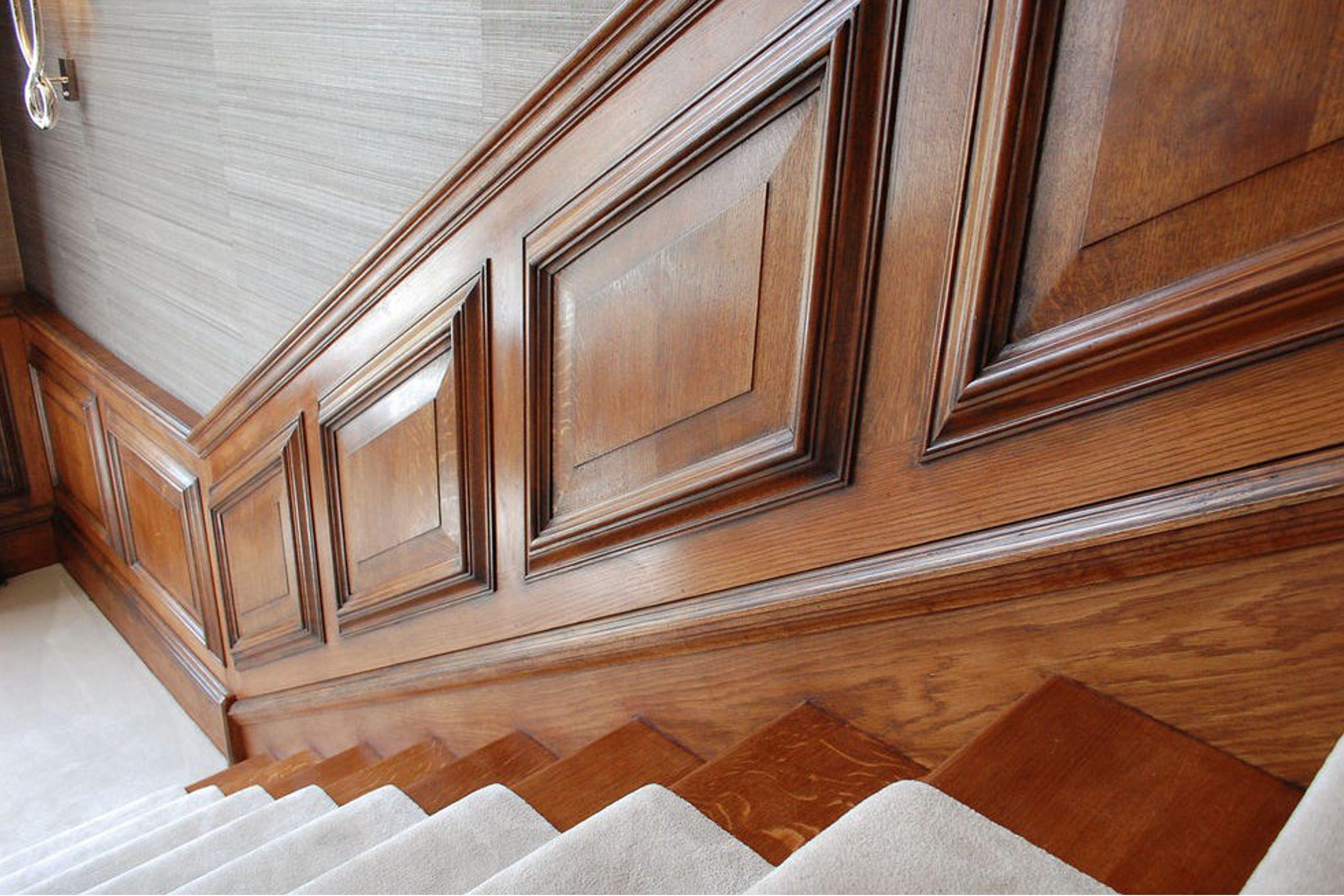 Boiserie per vano scale arredamenti in legno for Arredamenti scalea