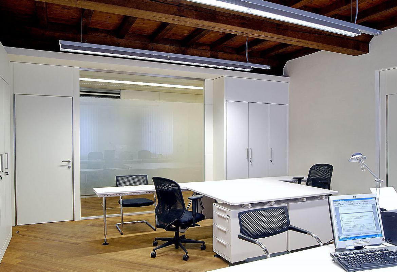 Studio legale arredamento moderno perfect sett studio for Arredamento studio legale moderno